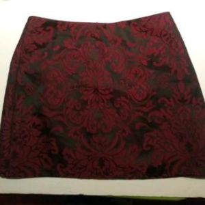 FOREVER 21 - RED & BLACK SILK MIDI SKIRT - MED.